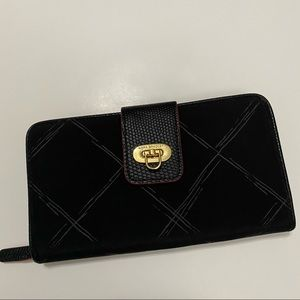 Vera Bradley Preppy Poly Wallet Zipper with lock